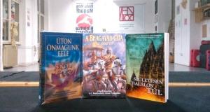 Bhagavad Gita Úgy ahogy van, Karácsonyi védikus Könyv csomag.